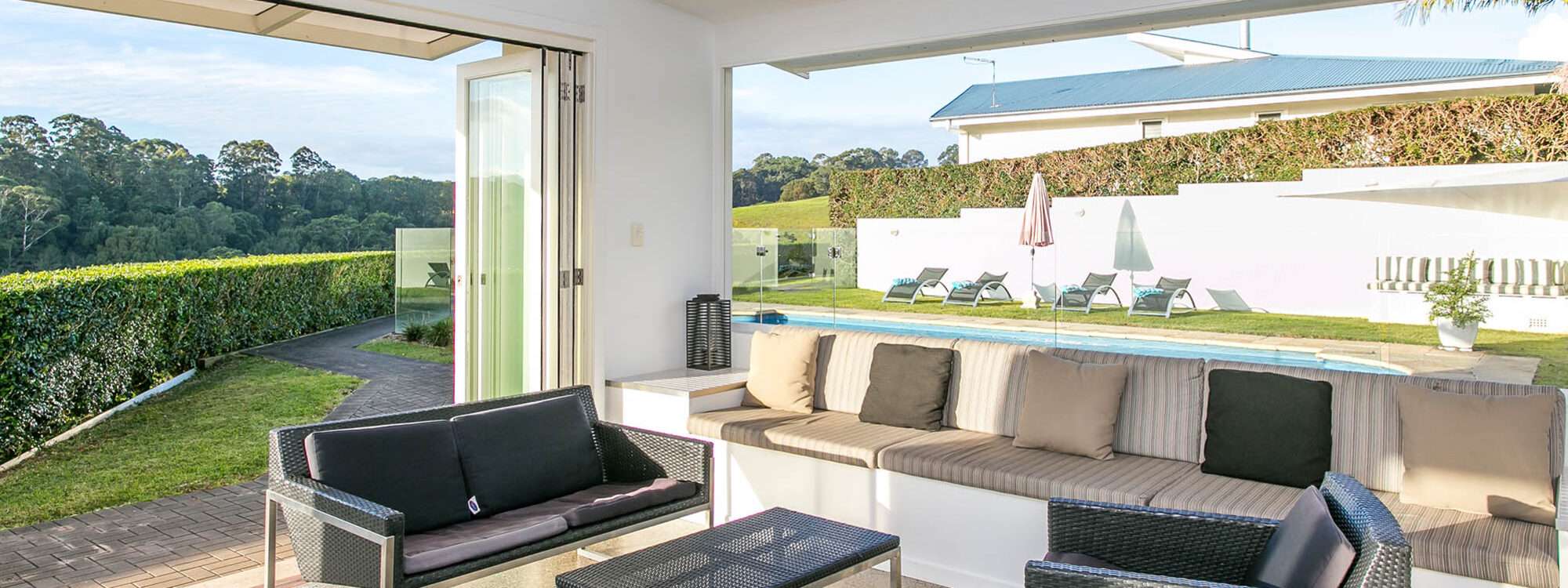 Byrons Brae - Byron Bay - Pool Cabana Internal c
