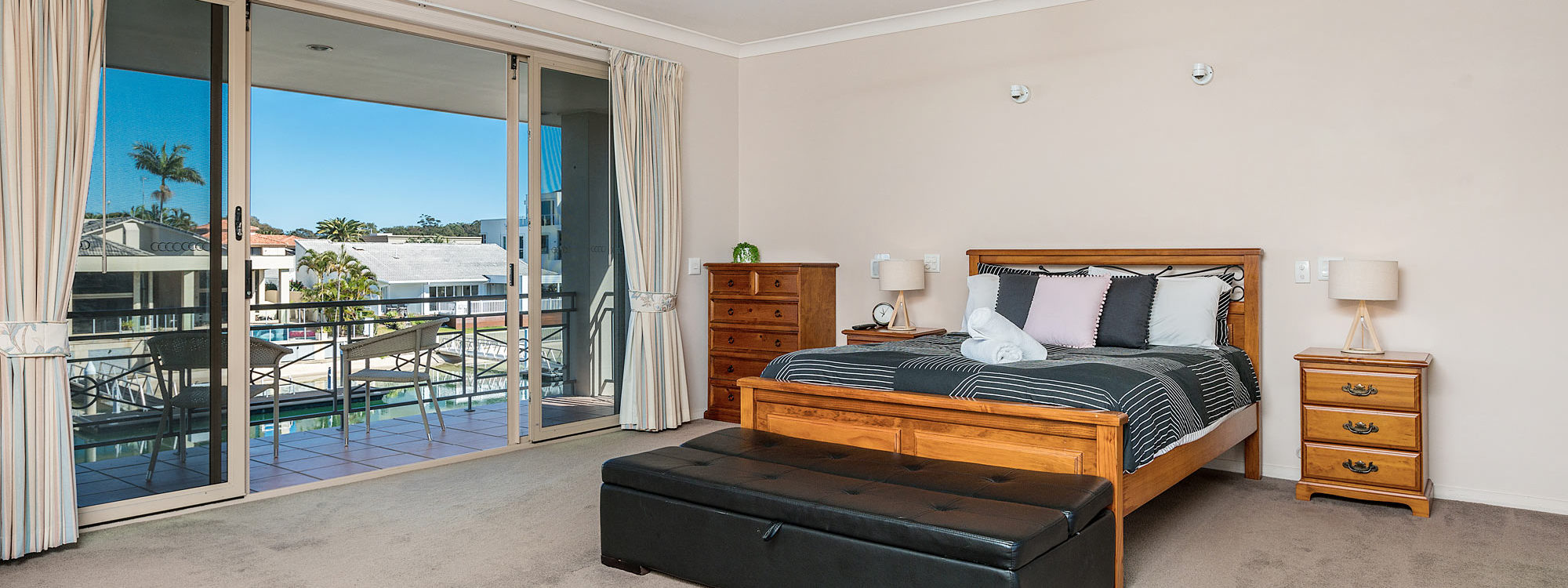 Casa Aqua - Gold Coast - Bedroom 1