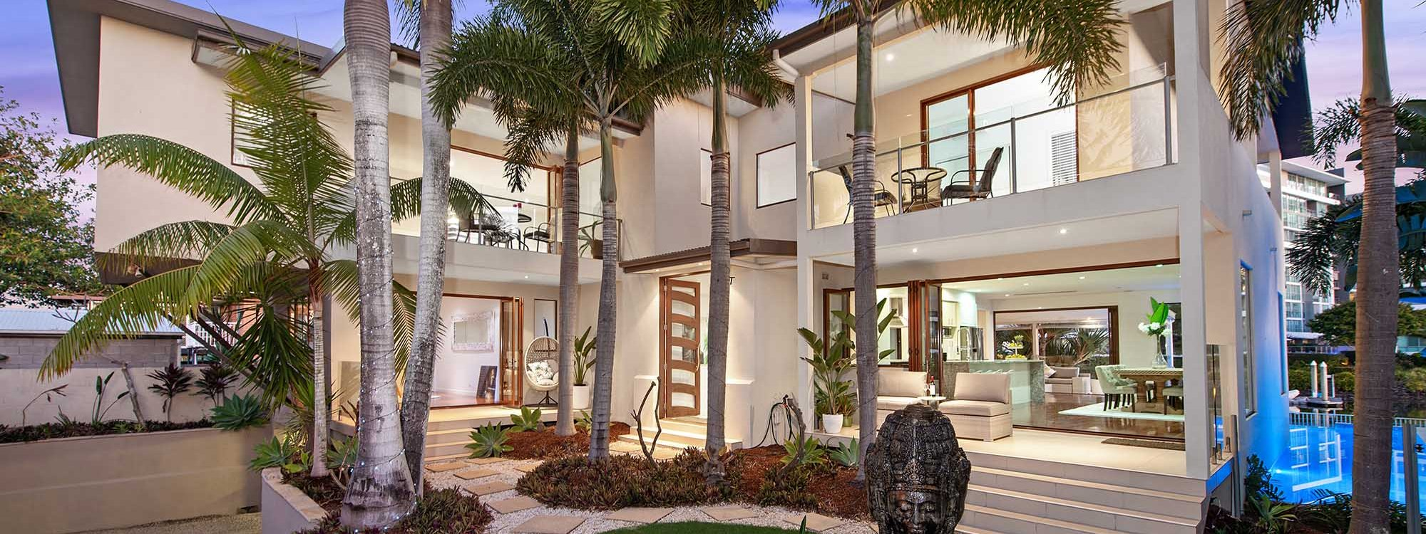 Casa Grande - Broadbeach Waters - Front of House