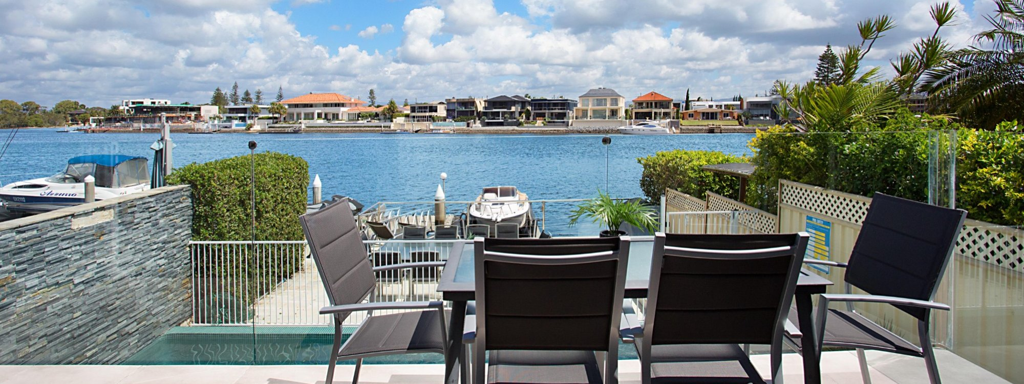 Casa Grande on the Water - Surfers Paradise - Outdoor entertaining area