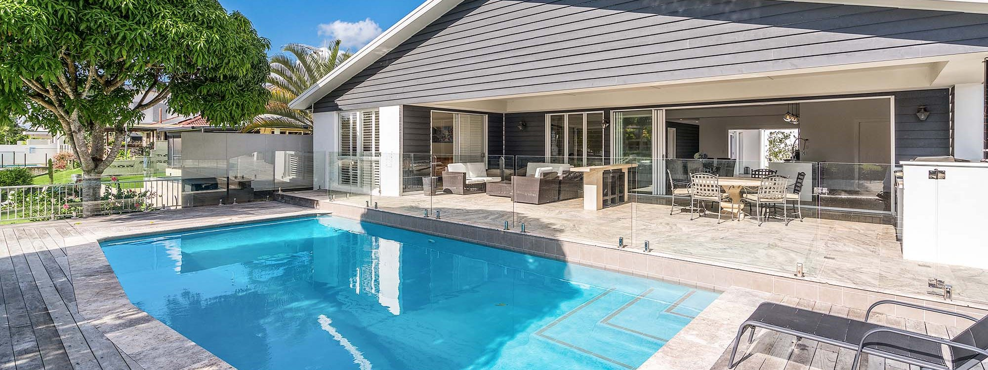 Casa Royale - Broadbeach Waters - Pool and House Side On