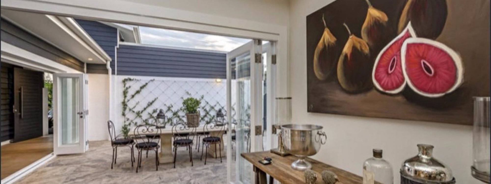 Casa Royale - Broadbeach Waters - Outdoor dining area