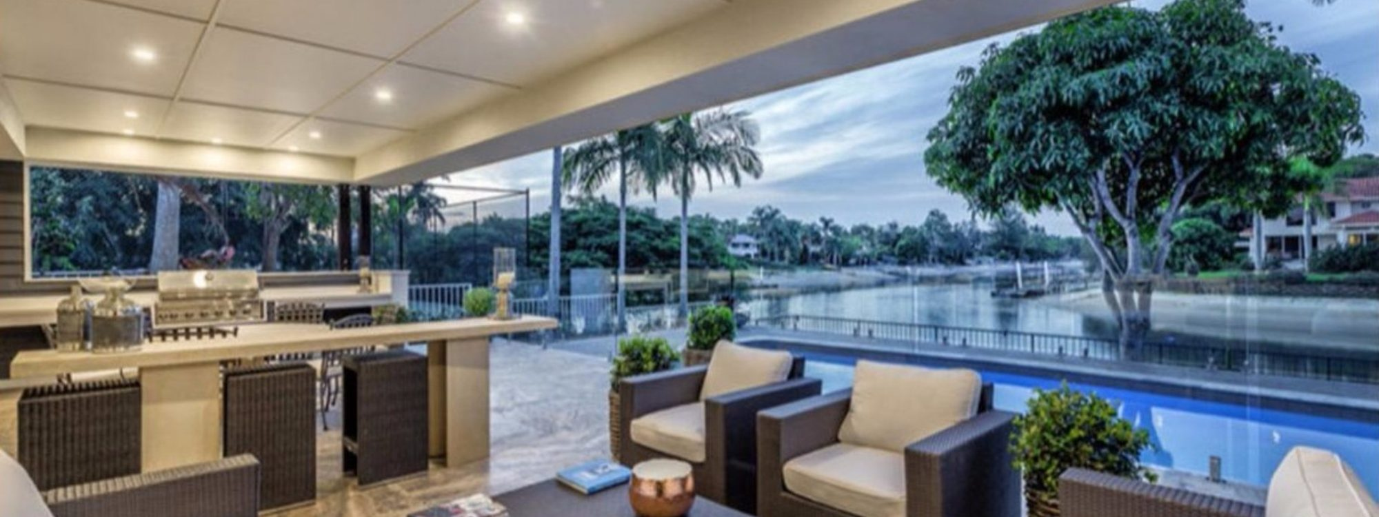 Casa Royale - Broadbeach Waters - Outdoor entertainment area