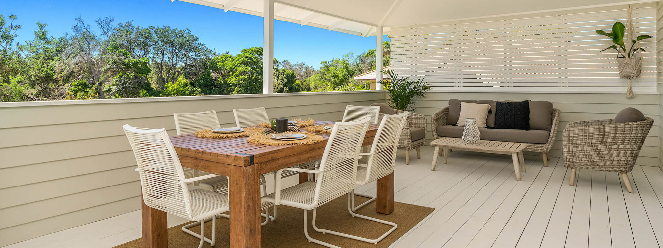 Castaway on Tallows - Byron Bay - Alfresco Dining Area on Balcony