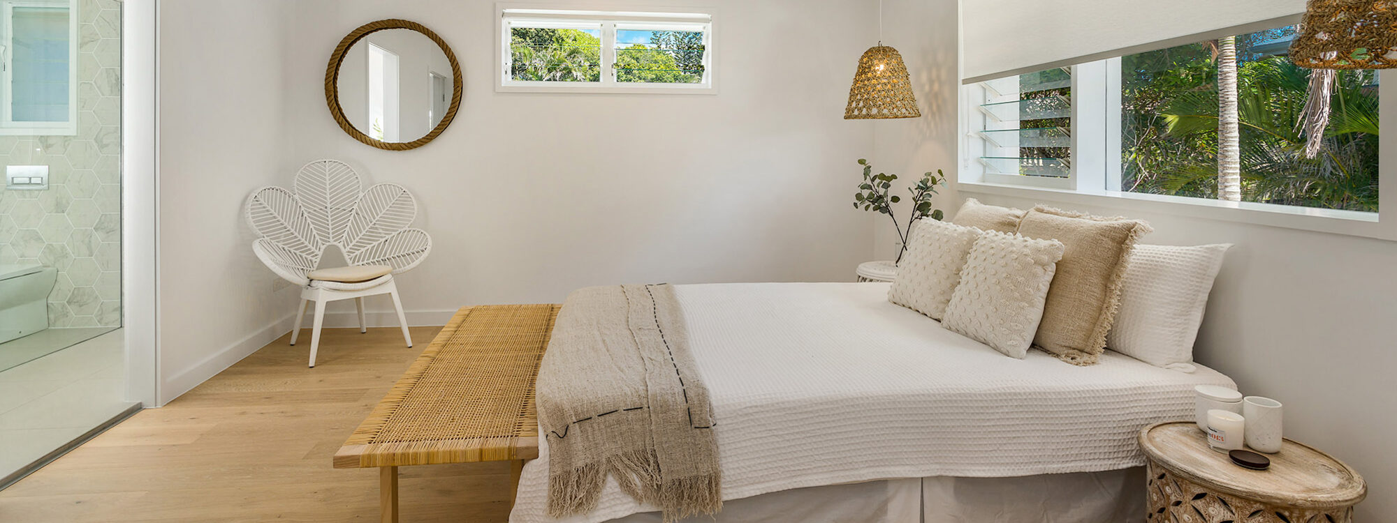 Castaway on Tallows - Byron Bay - Upstairs Master Bedroom and Ensuite 4