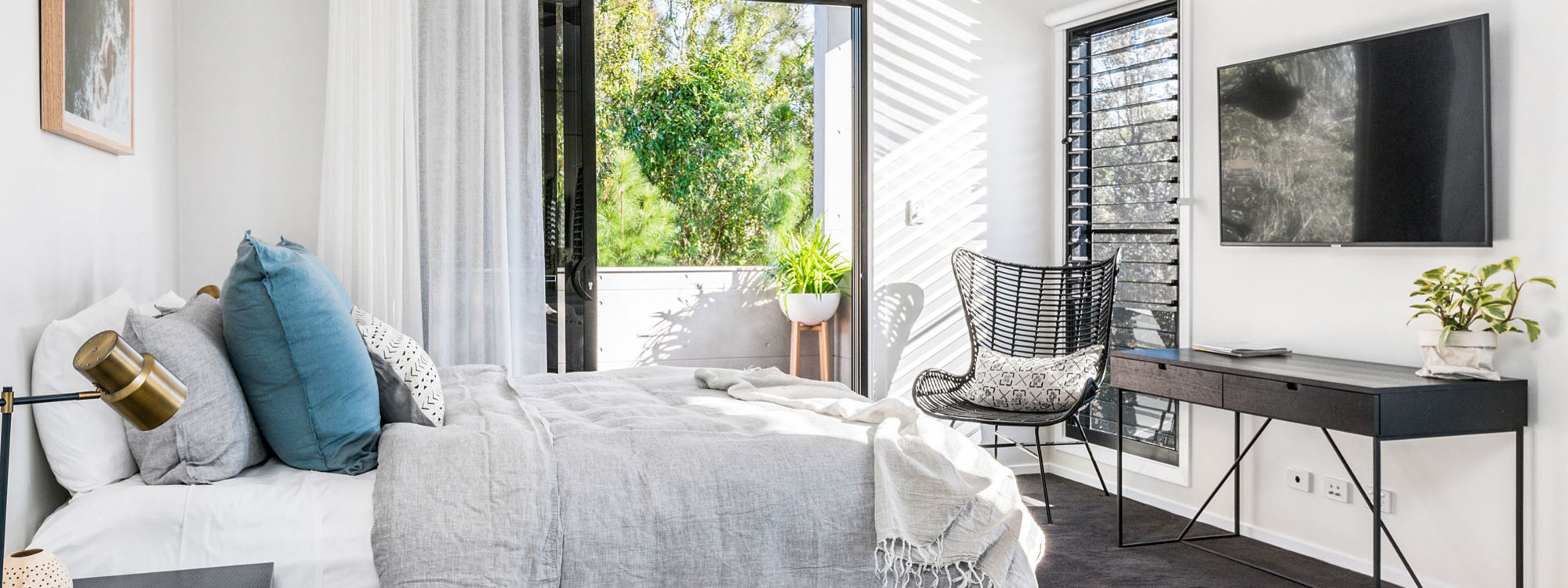 Catalinas - Byron Bay - Bedroom 1 with Ensuite a