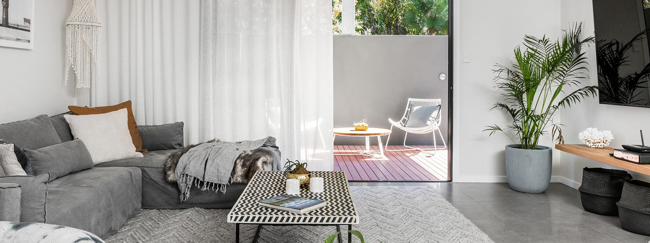 Catalinas - Byron Bay - Lounge Room b
