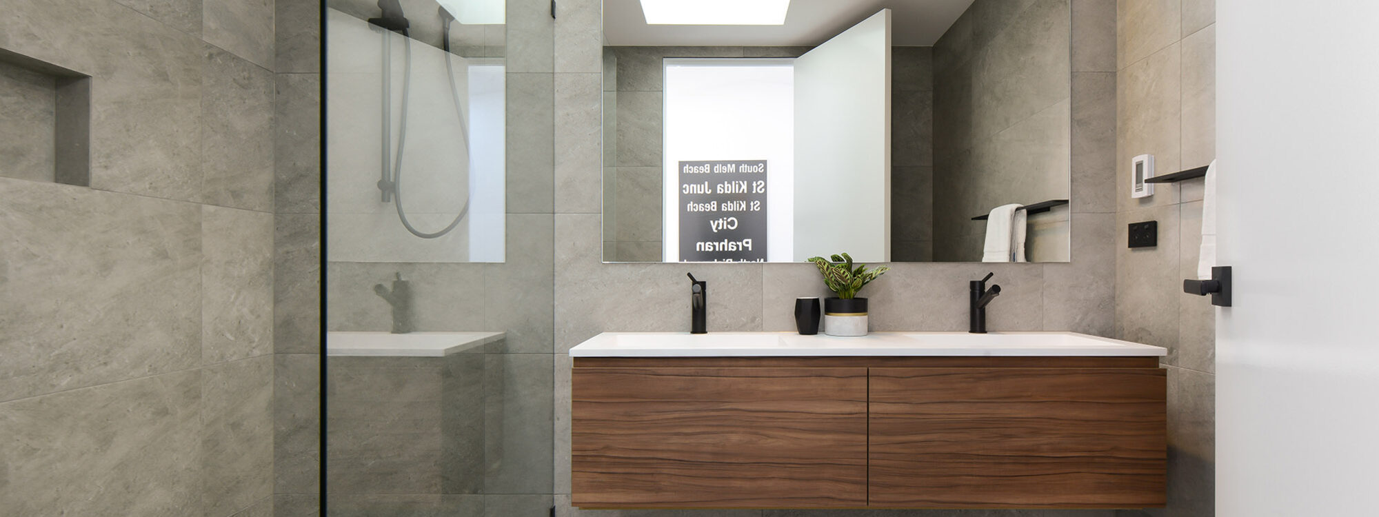 County Down - Port Melbourne - Bathroom b