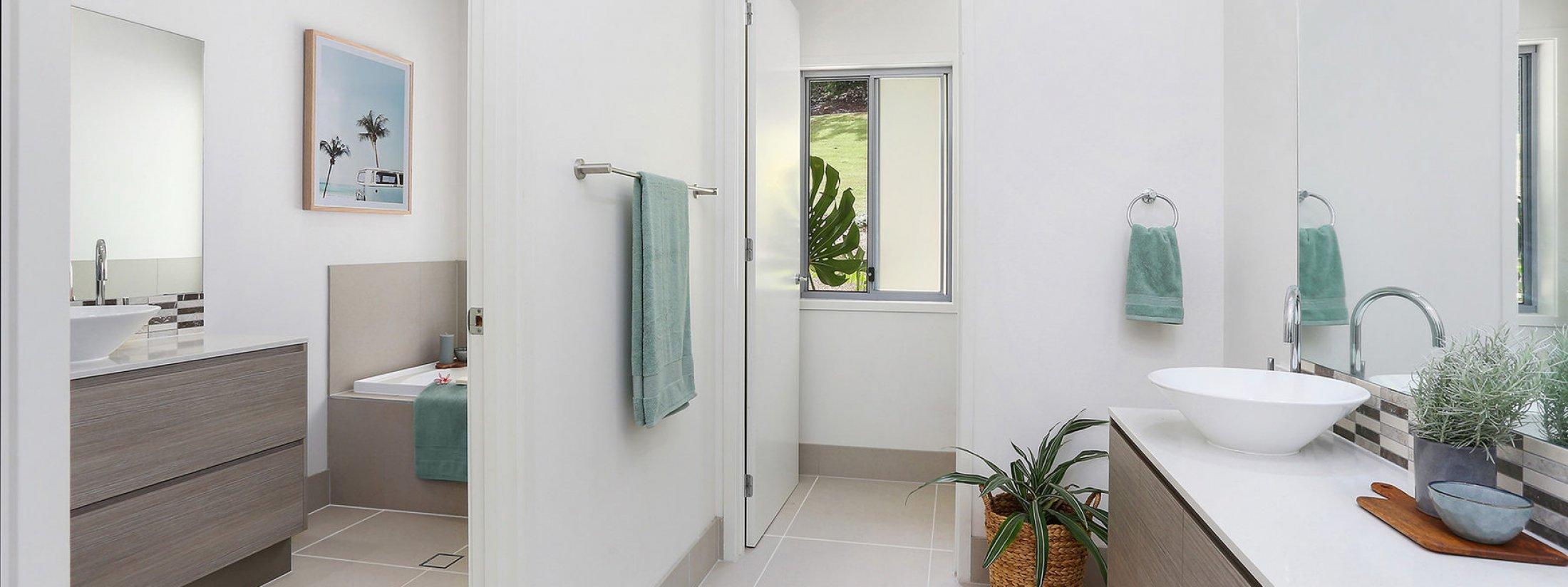 Currumbin Heights - Currumbin - Bathroom 1