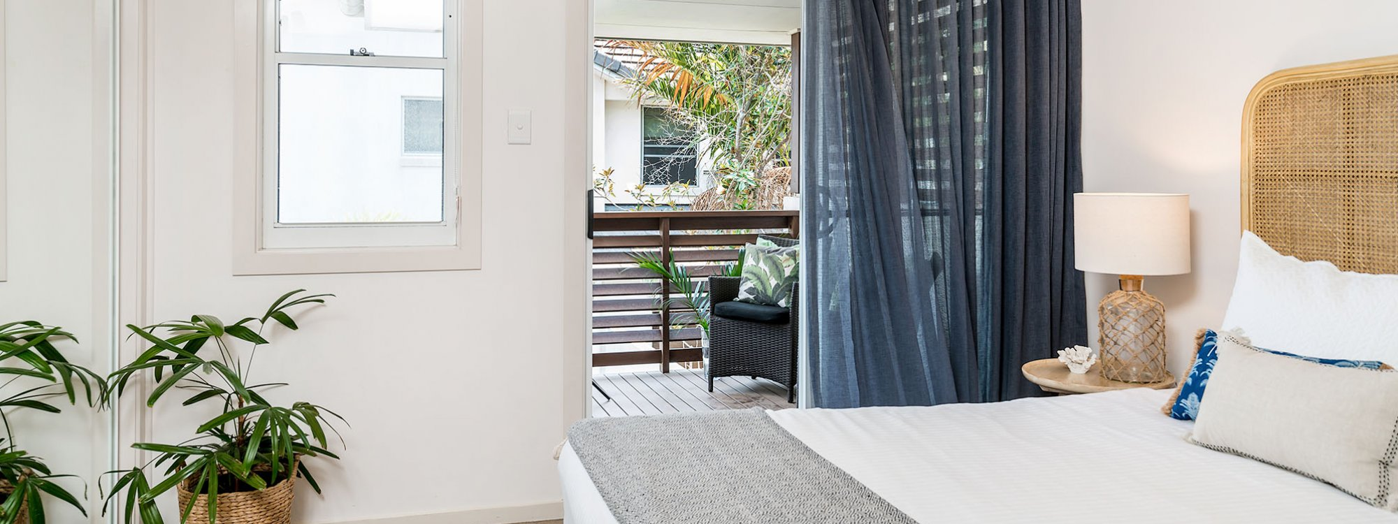 Drift - Byron Bay - Master Bedroom with Balcony