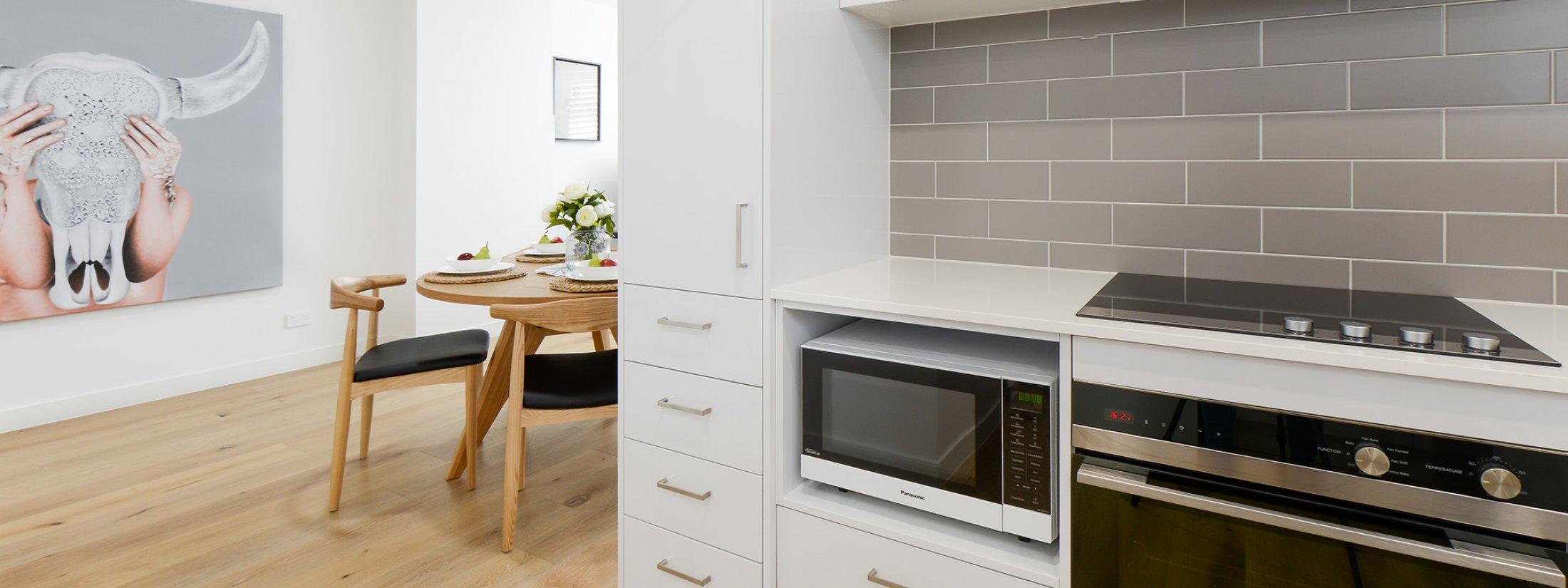 Hampton Lookout - Hampton - Kitchen Area and Dining Area