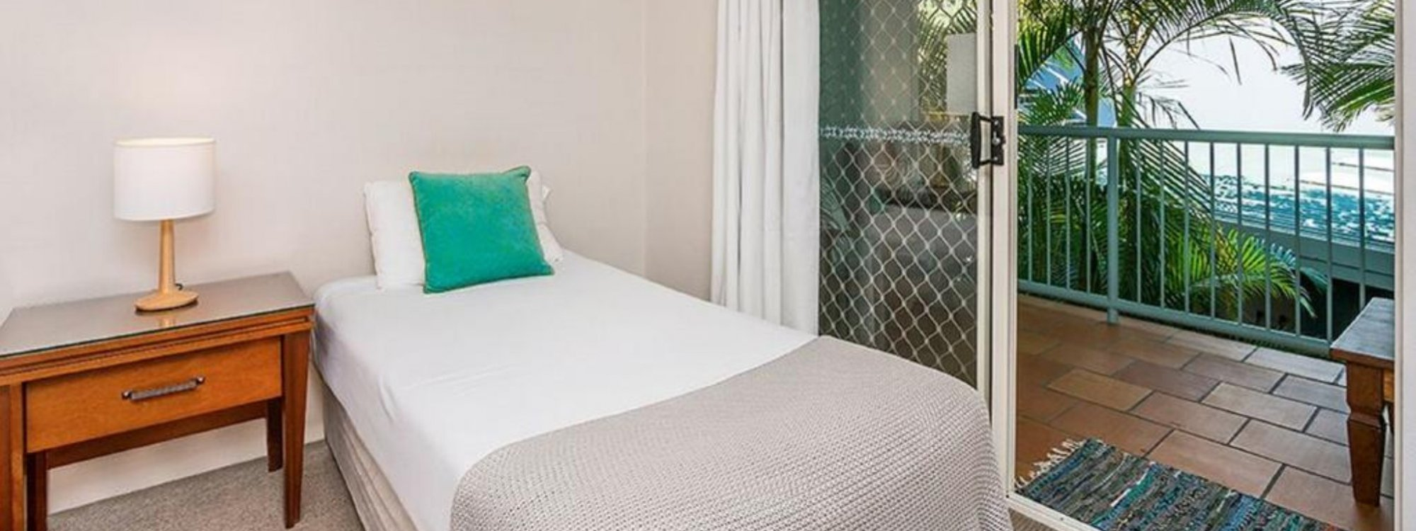 Heathers Hideaway - Byron Bay - Bedroom 2 b