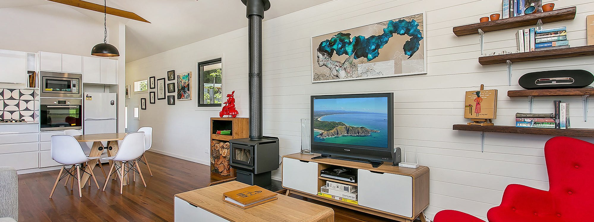 Coorabell Cottages - Rainforest Cottage - Living Area