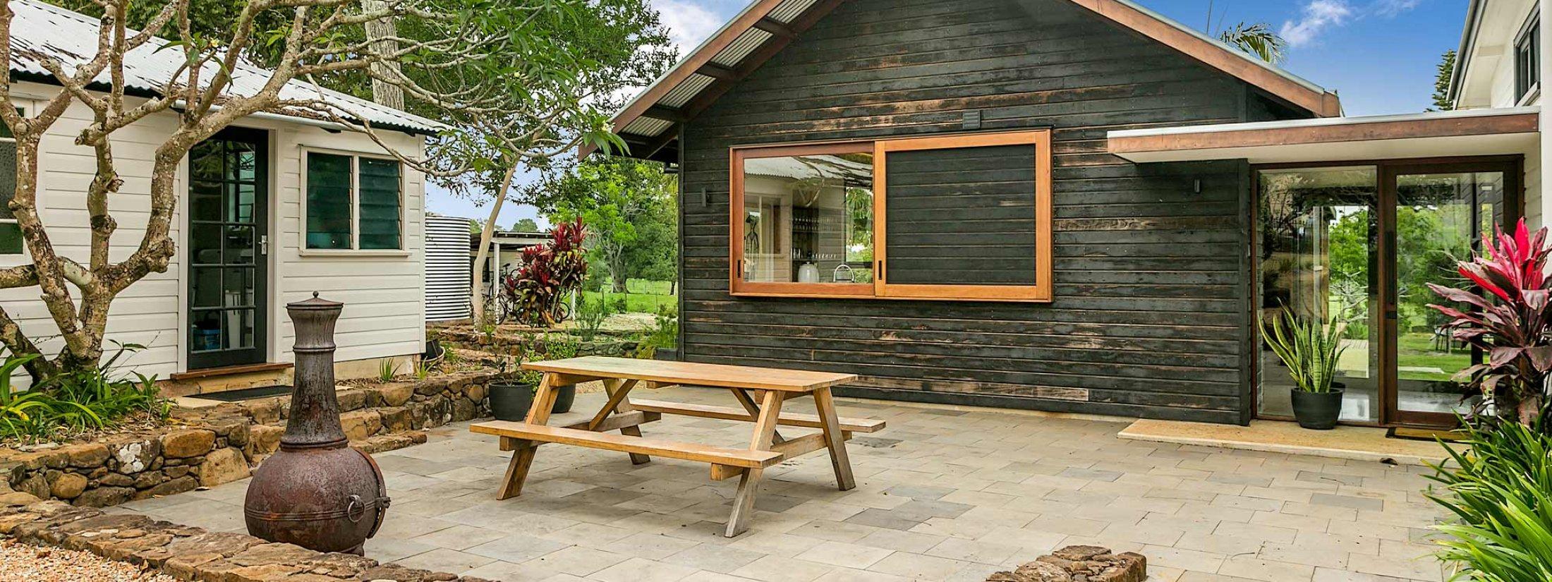 Tanderra - Outdoor Setting
