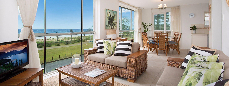 King Tide - Broadbeach - Living area