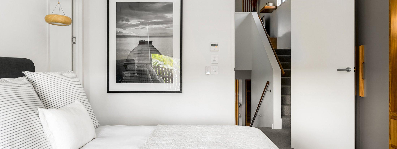 Kokos Beach Houses - Byron Bay - Master bedroom on Landing f