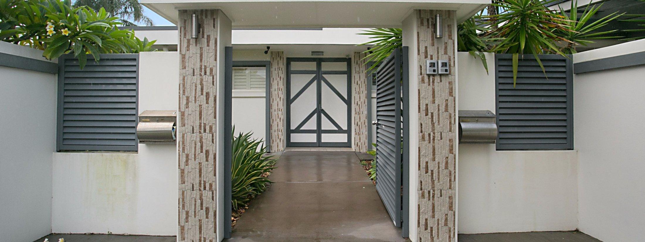 La Casetta - Broadbeach - Entrance to property