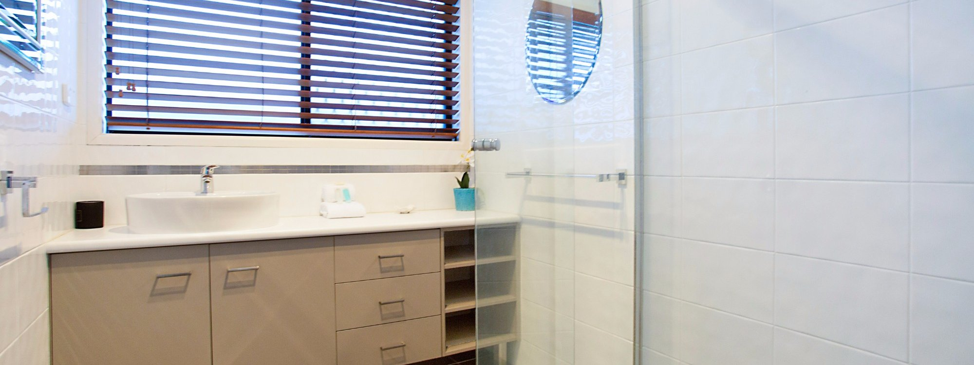 La Vida - Broadbeach Waters - Bathroom 2