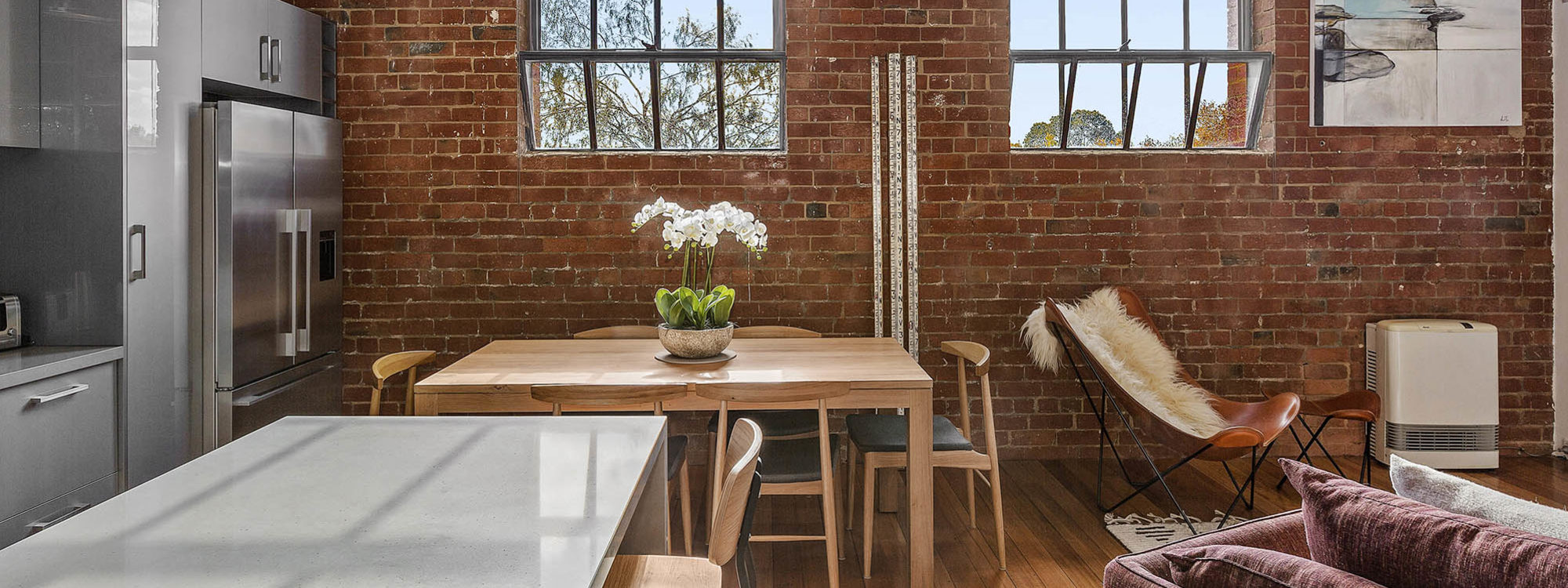 Loft on Rose - Fitzroy - Kitchen and Dining b