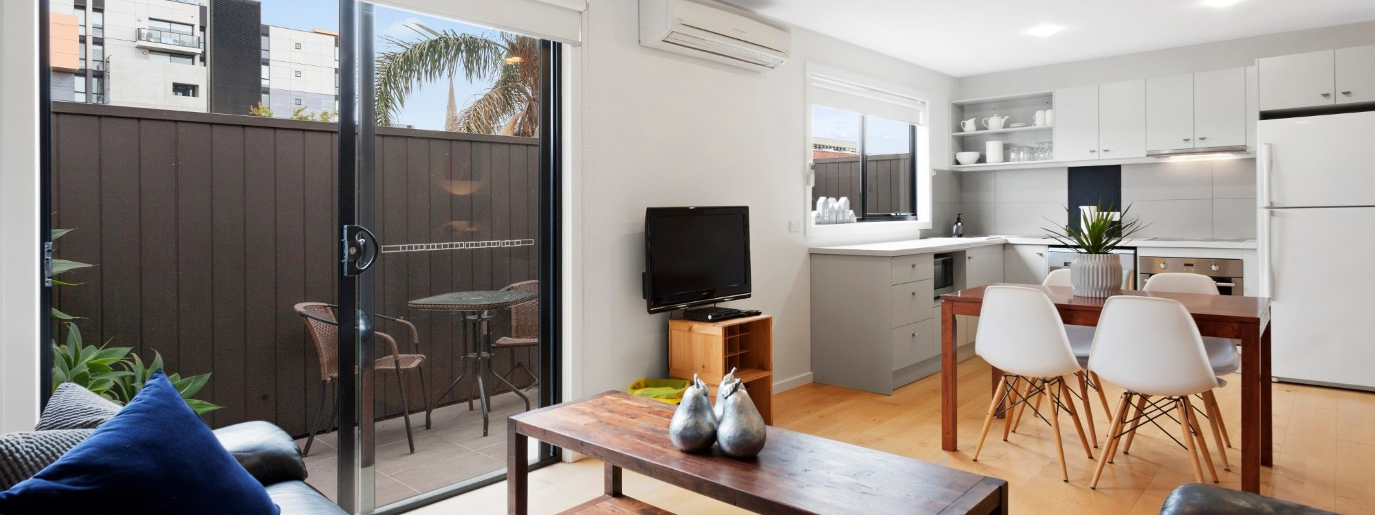Manallack Apartments Boyd - Melbourne - Kitchen Dining Area 2