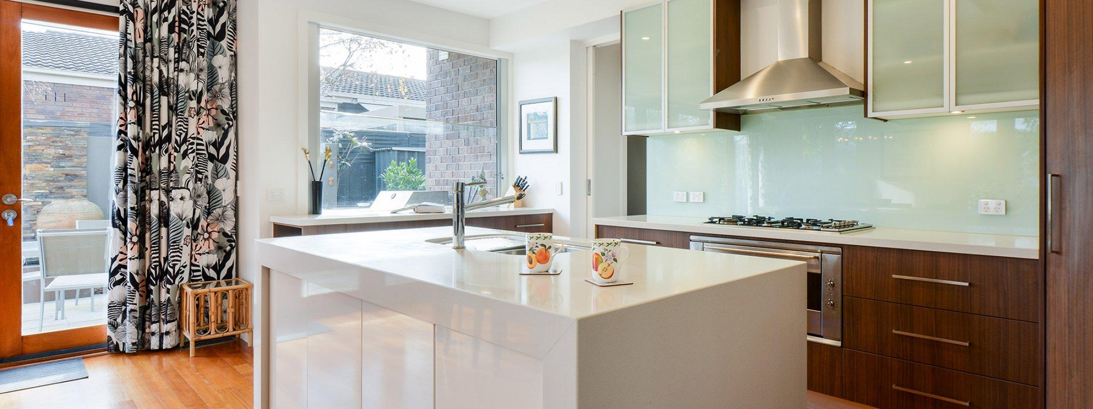 Maple on Kent - Glen Iris - Kitchen b