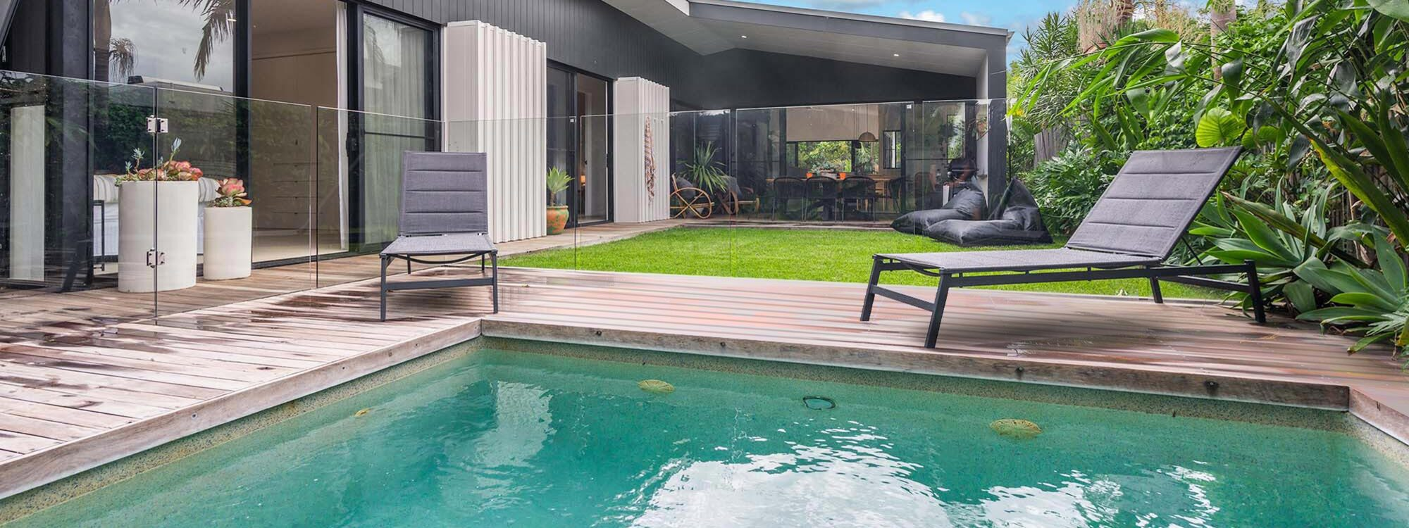Melaleuca - Byron Bay - Pool Flow to Backyard