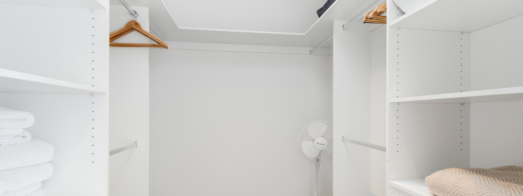 Murrumbeena Place 1 - Murrumbeena - Walk-in Closet