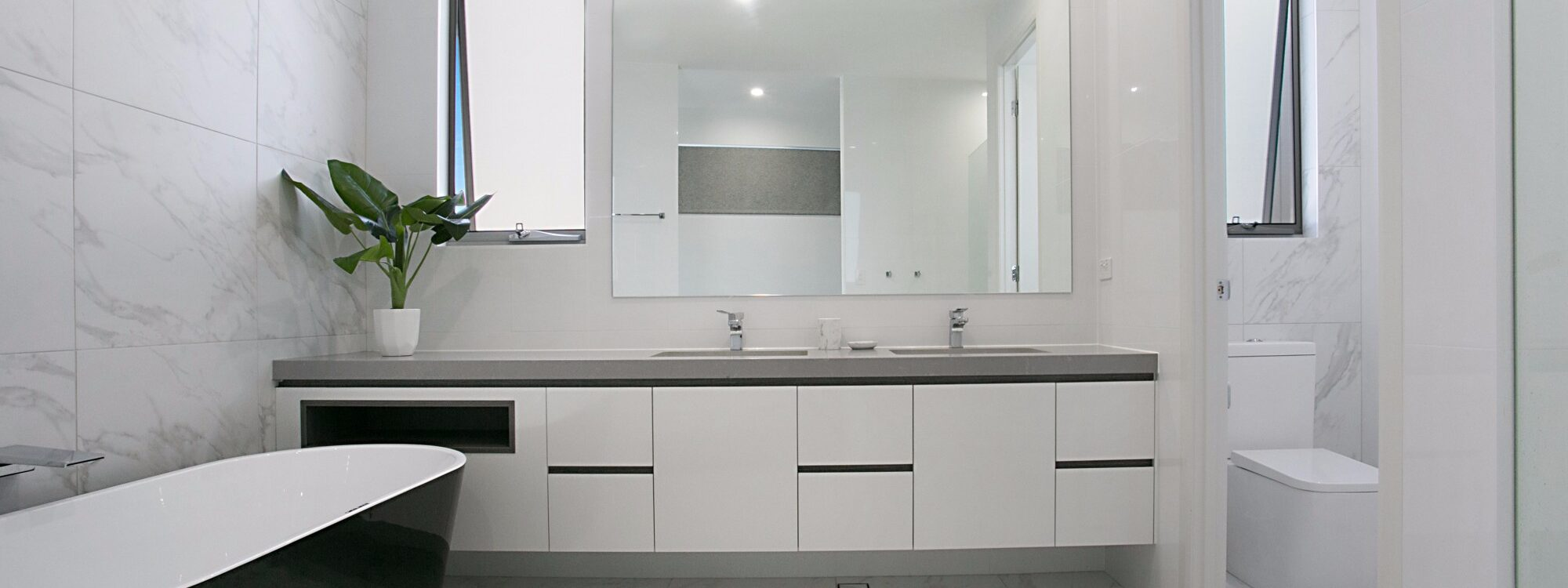 Pacific Breeze - Broadbeach - Bathroom 1