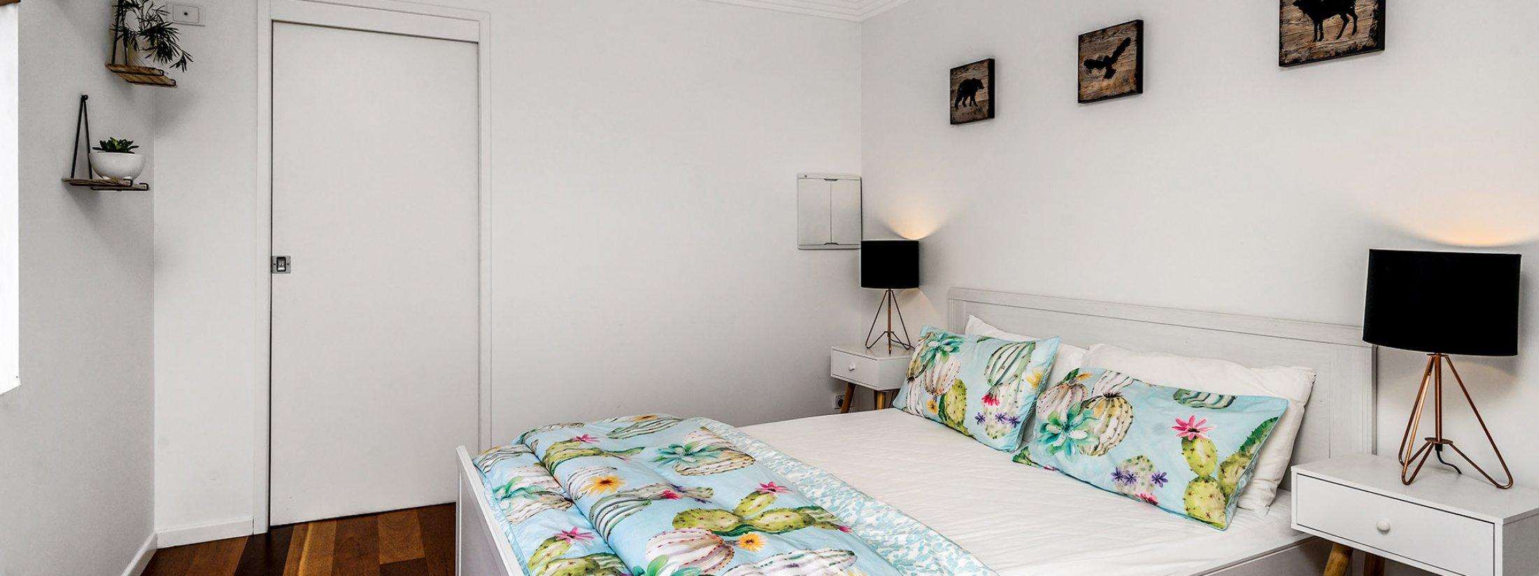 Pacifica - Broadbeach Waters - Bedroom 2