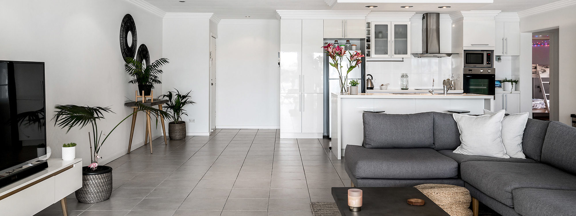 Pacifica - Broadbeach Waters - Living Area
