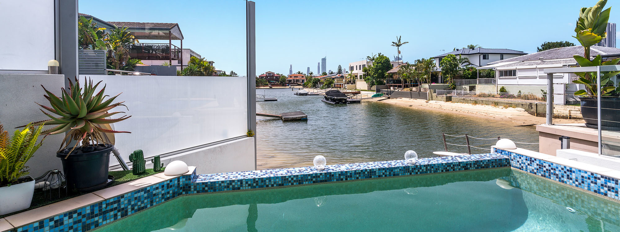 Pacifica - Broadbeach Waters - View from Deck 3