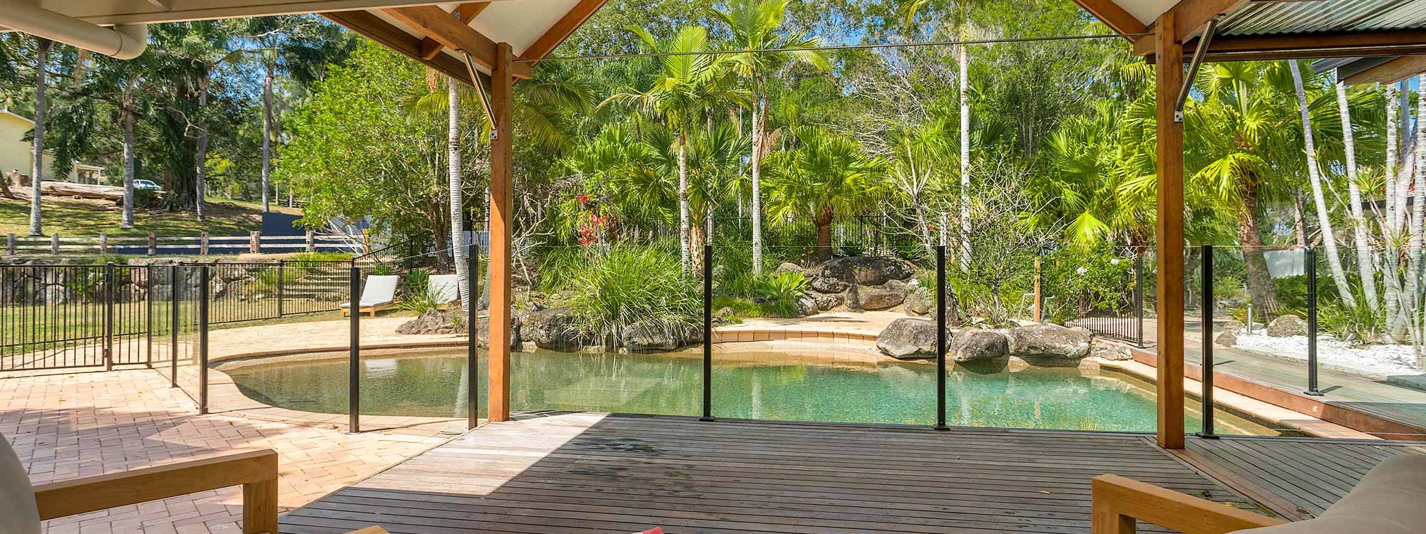 Rockinghorse House - Byron Hinterland - deck to pool