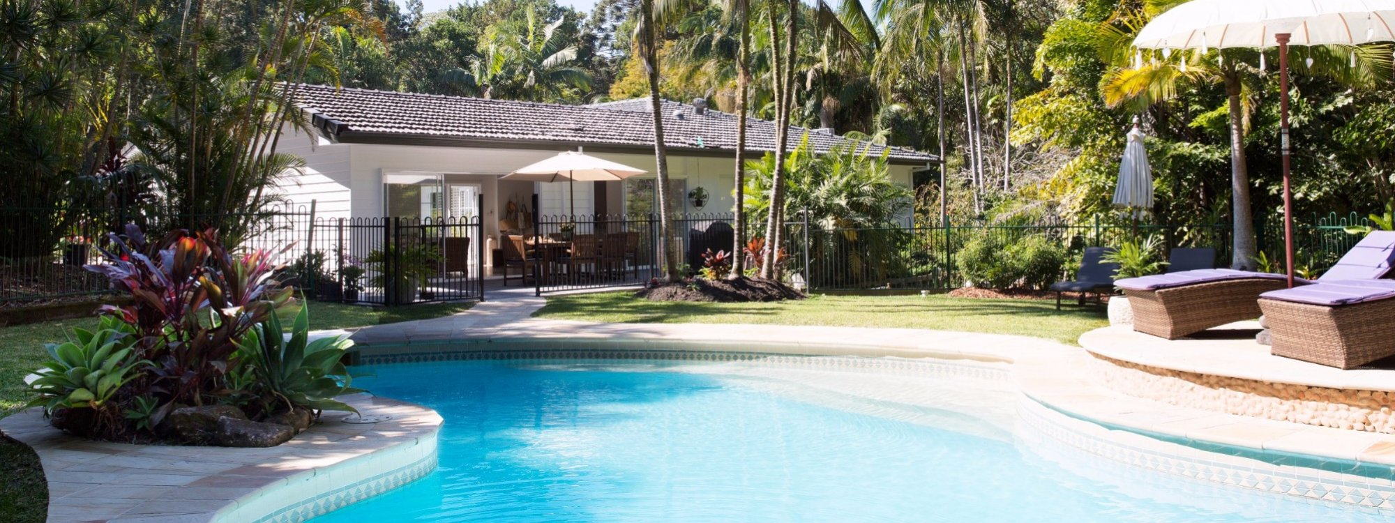 Satara - tropical pool setting