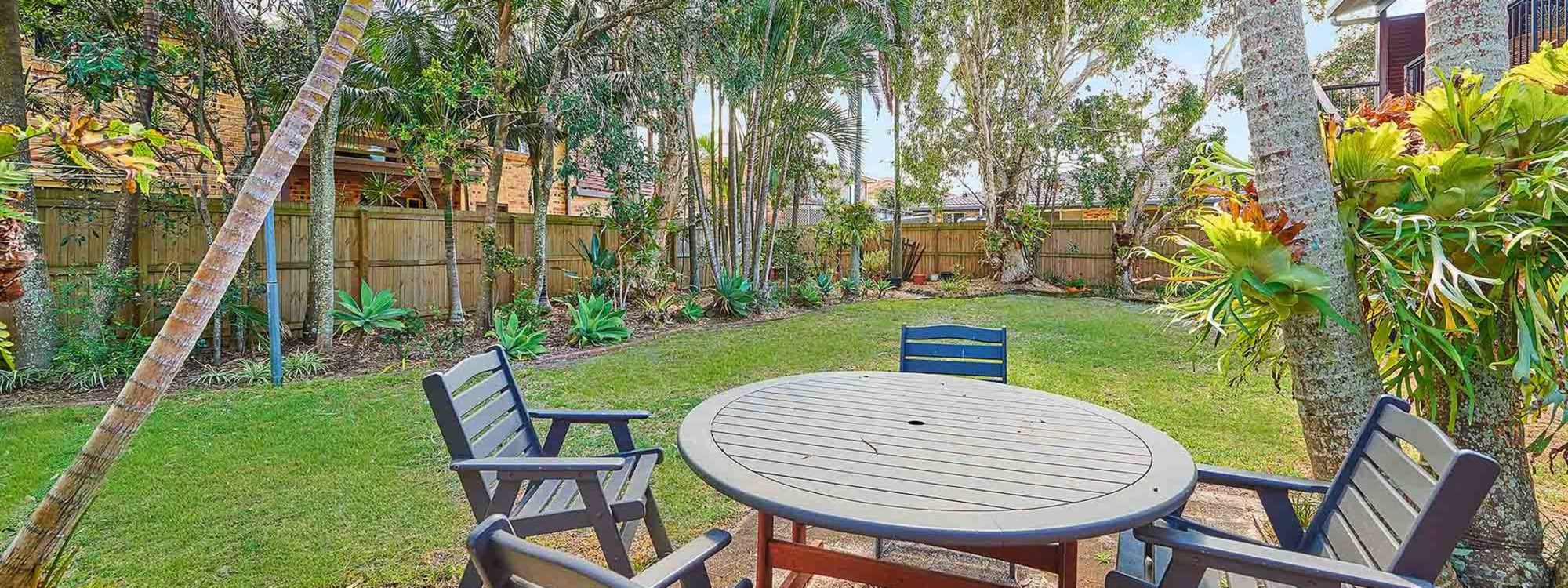 Sea Breeze - Lennox Head - Backyard with Table