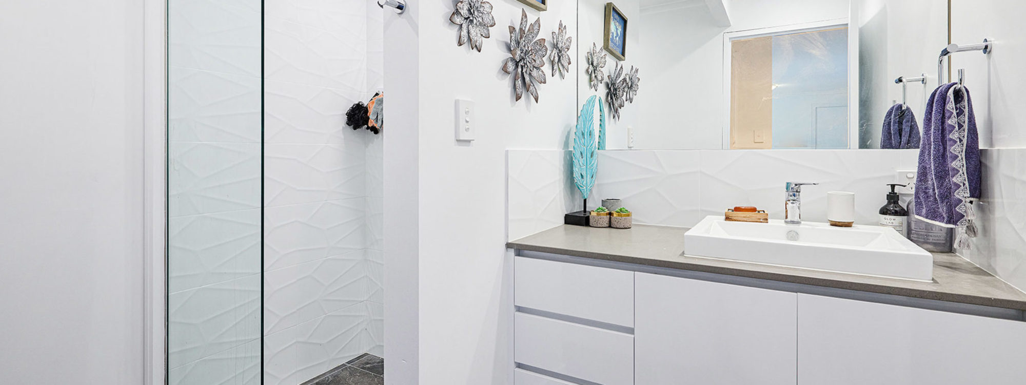 Sea Breeze - Lennox Head - Downstairs Bathroom