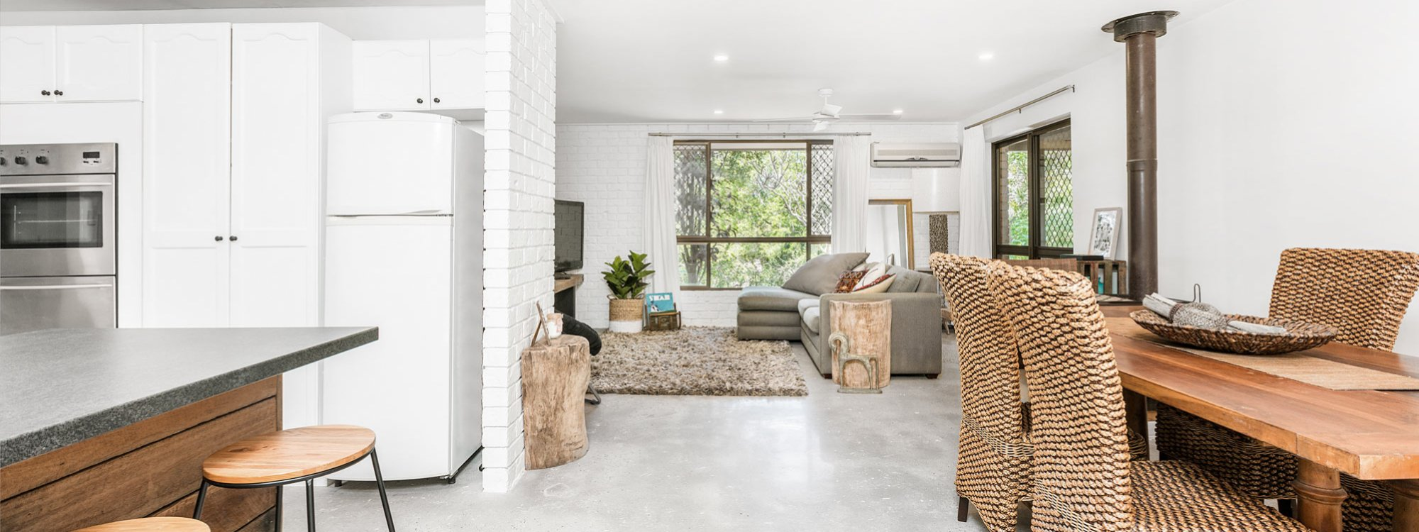 Sea Salt - Byron Bay - Kitchen Looking To Dining And Lounge Room