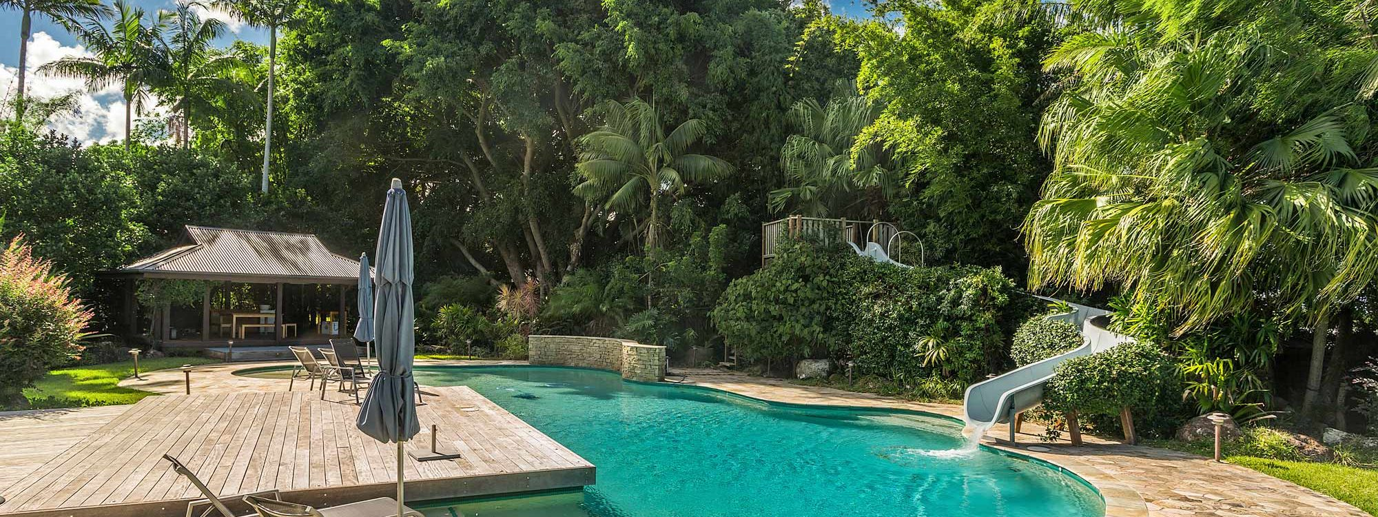 Stone and Grove - Byron Bay - Ewingsdale - Pool with waterslide