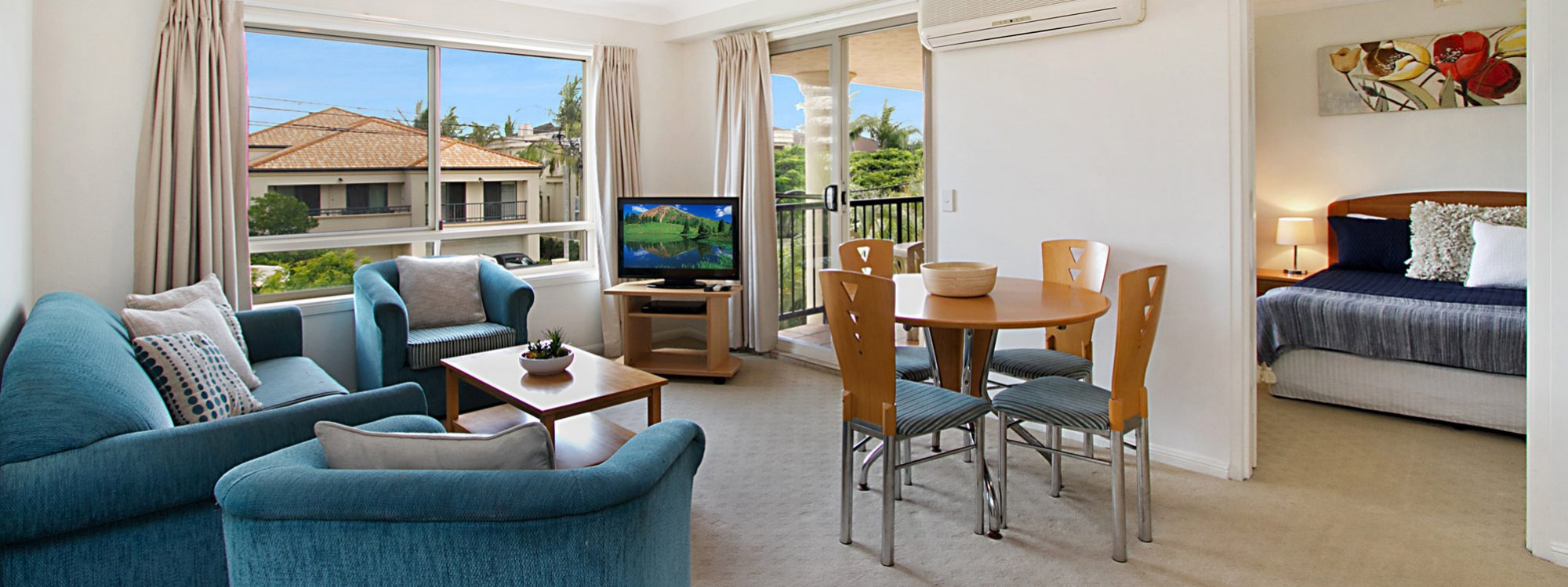 Sunset In Surfers - Gold Coast - Living Room a