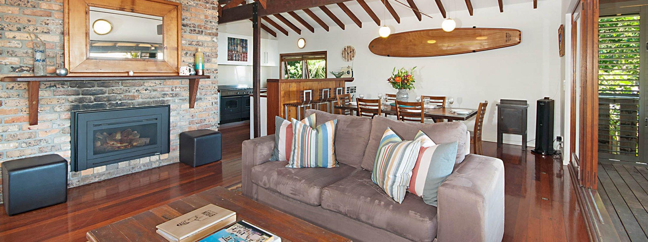 The Hawk - Wategos Byron Bay - Lounge Upstairs