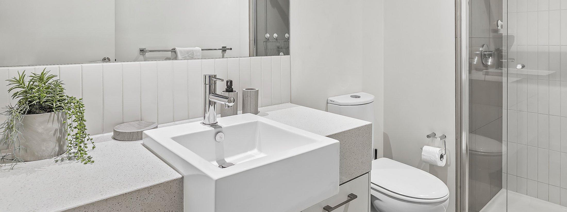 The Lansdowne - St Kilda - Bathroom