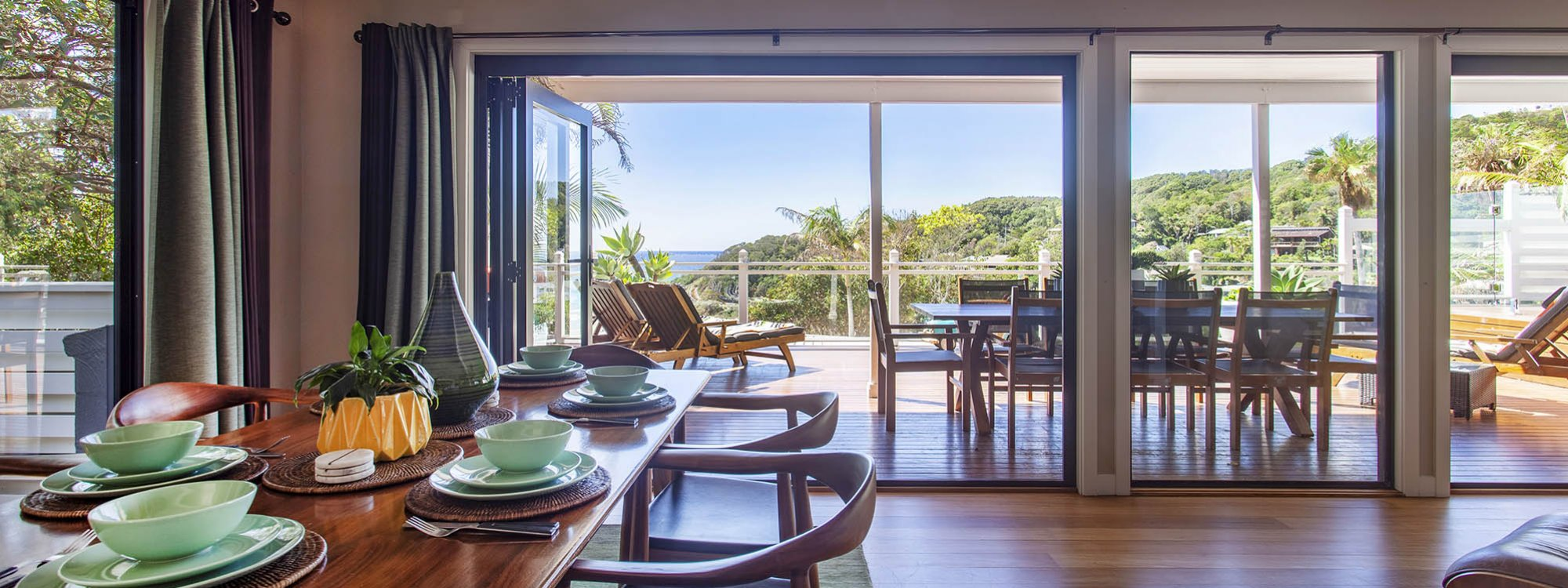 The Palms at Byron - Byron Bay - Dining Towards View b