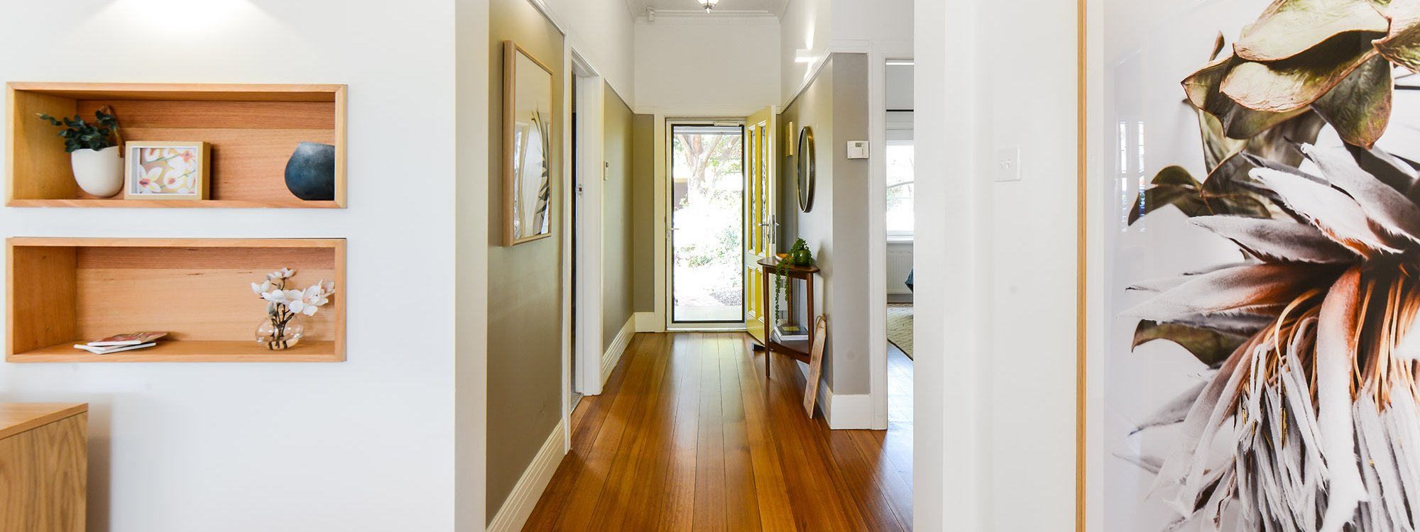 The Veronica - Northcote - Hallway to Entrance