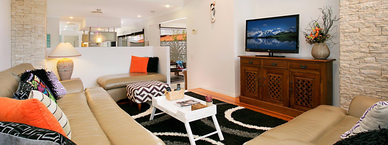 Toby's Beach House - Mermaid Beach - Living Area 2