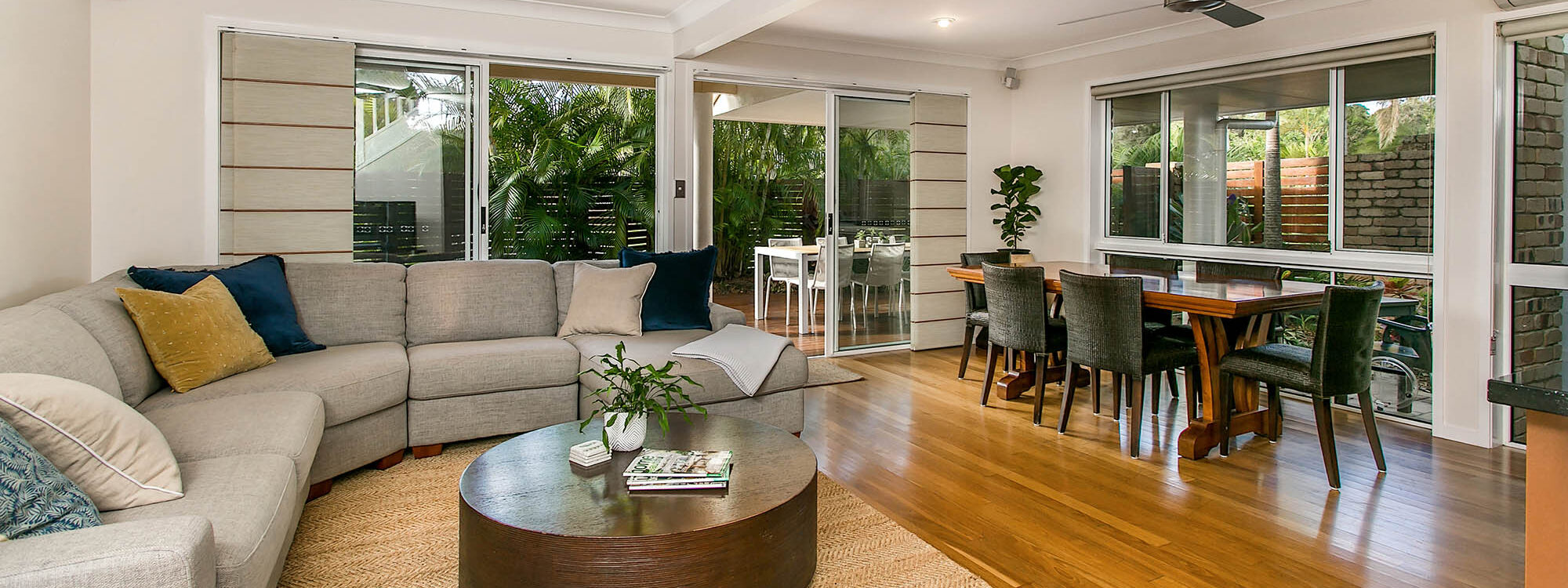 Tradewinds 4 - Clarkes Beach - Living Dining