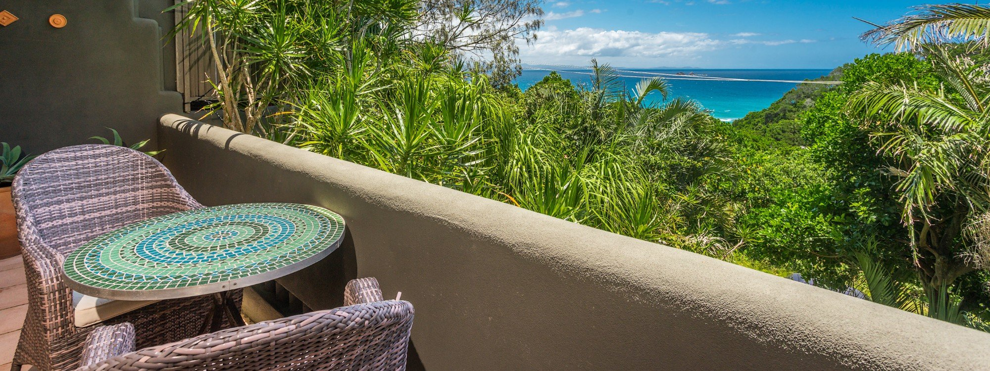 Wategos Retreats Apartment - Wategos Beach - Byron Bay - Apartment balcony and view