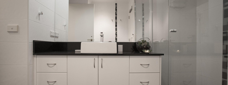 Wellington Mews - East Melbourne - Bathroom