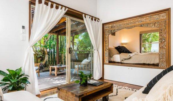 Bamboo Beach House - Byron Bay - Studio Living Area and Bedroom