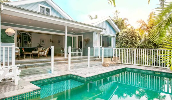 Kia Ora - Byron Bay - House and pool