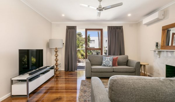 Sandy Breeze 1 - Sandringham - Living Area