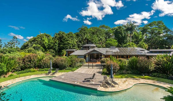 Stone and Grove - Byron Bay - Ewingsdale - Pool and house
